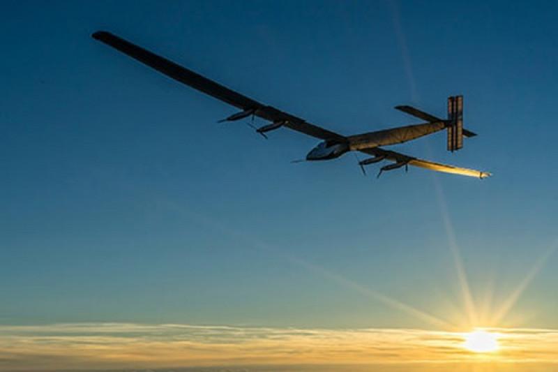 Pesawat solar lepas landas dari Mesir pada putaran terakhir tur dunia